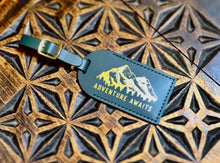 Load image into Gallery viewer, The Explorer's Circle leather luggage tag