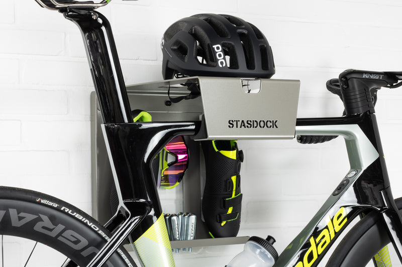 deepsilver stasdock bike wall mount with bicycle accessoires