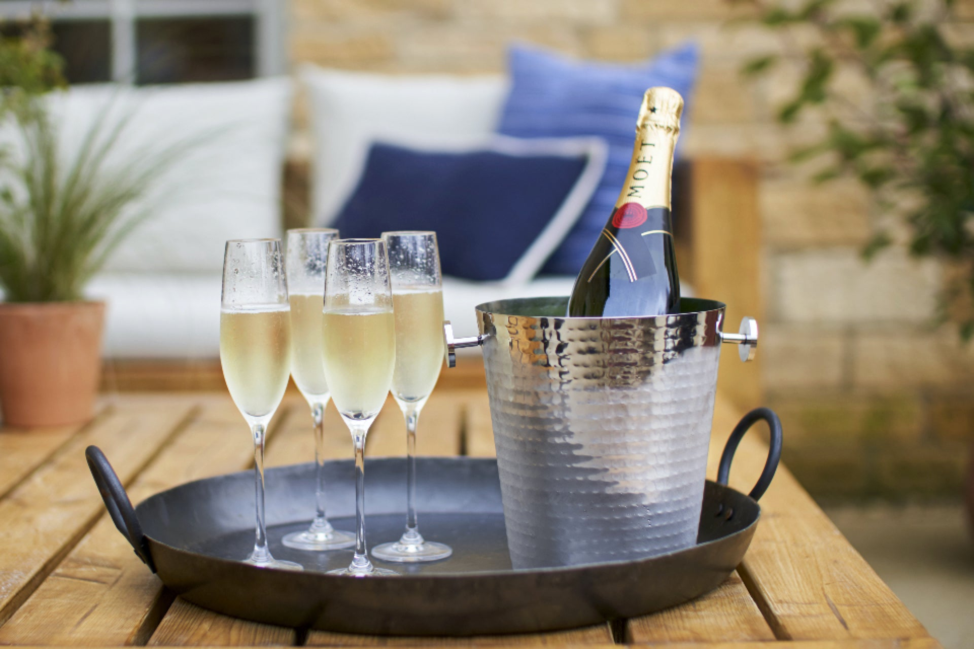 Moet champagne in competition to win a house