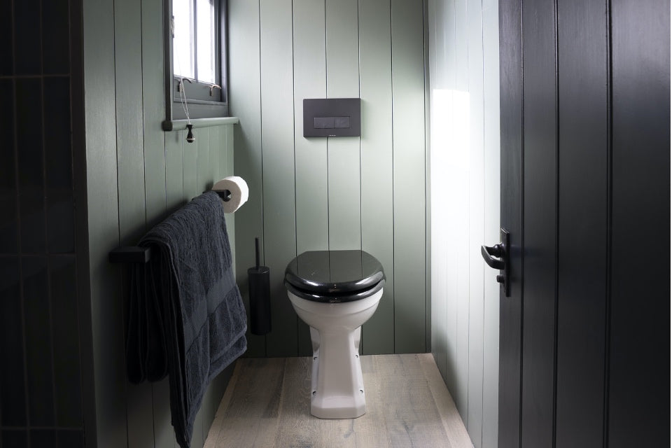 Ensuite toilet in the Omaze Million Pound House Draw