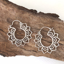 Load image into Gallery viewer, Ethnic Earrings • Mandalita