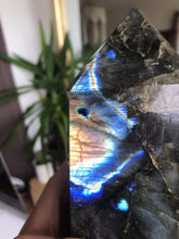 Load image into Gallery viewer, Crystal Point ⟁ Labradorite • Unique Piece
