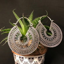 Load image into Gallery viewer, Ethnic Earrings • Inti
