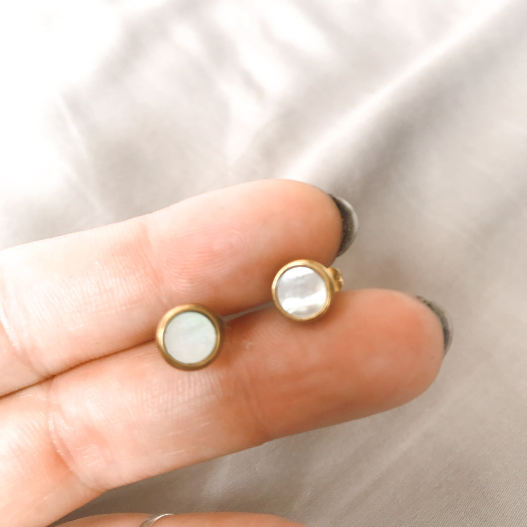 Stud Earrings - Mother of Pearl