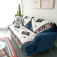 Load image into Gallery viewer, Throw Zuma • Bed Cover • Sofa Blanket ▷ Aztec Red