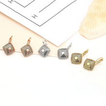 Load image into Gallery viewer, Clip Earrings - Apache