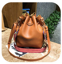 Load image into Gallery viewer, Handbag • Roma