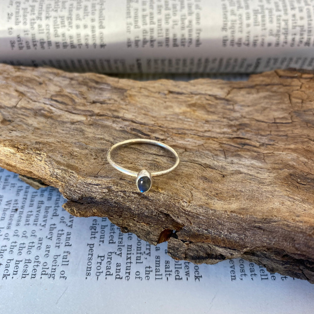 Labradorite Ring • 925 Sterling Silver