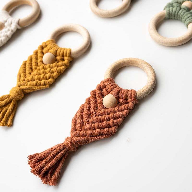 MACRAME TEETHER - NORTH