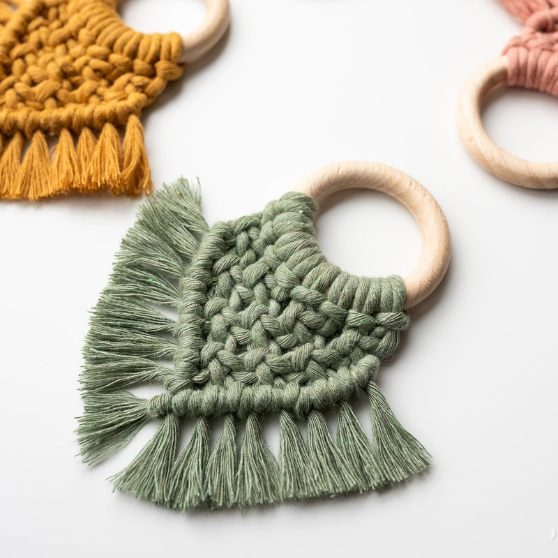 MACRAME TEETHER - RIVER