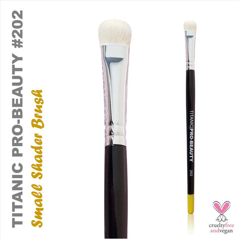 TITANIC PRO-BEAUTY BRUSH (206) - SMALL DUO-FIBRE SLANTED BLENDER