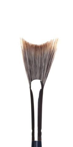 London Brush Company – Nouveau - #17 Soft Concave Fan
