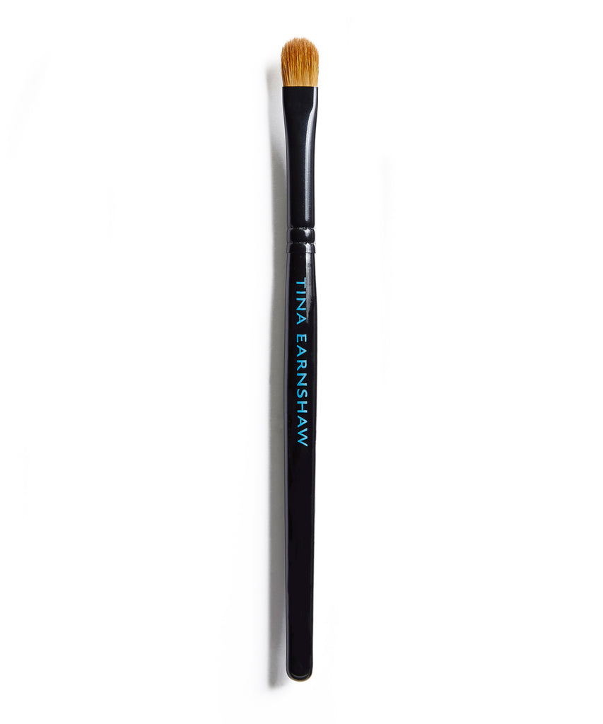 Tina Earnshaw -  Medium Eye Shadow Brush - No17
