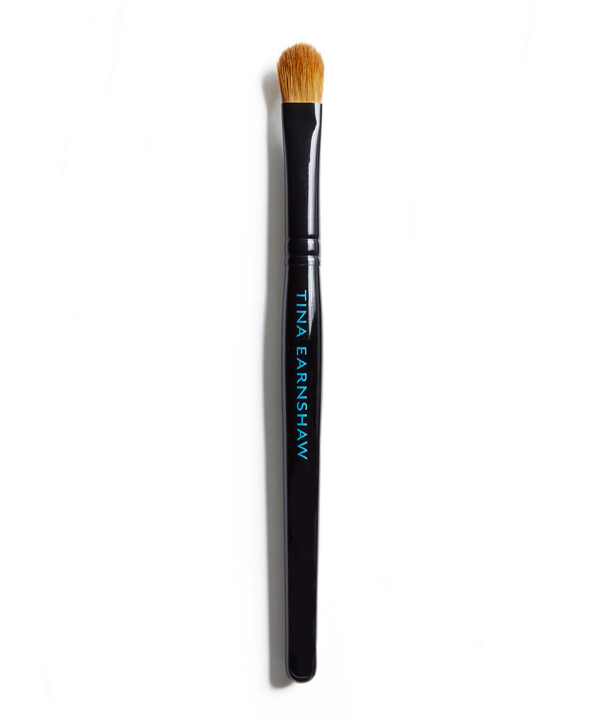 Tina Earnshaw -  Large Eye Shadow Brush - No18