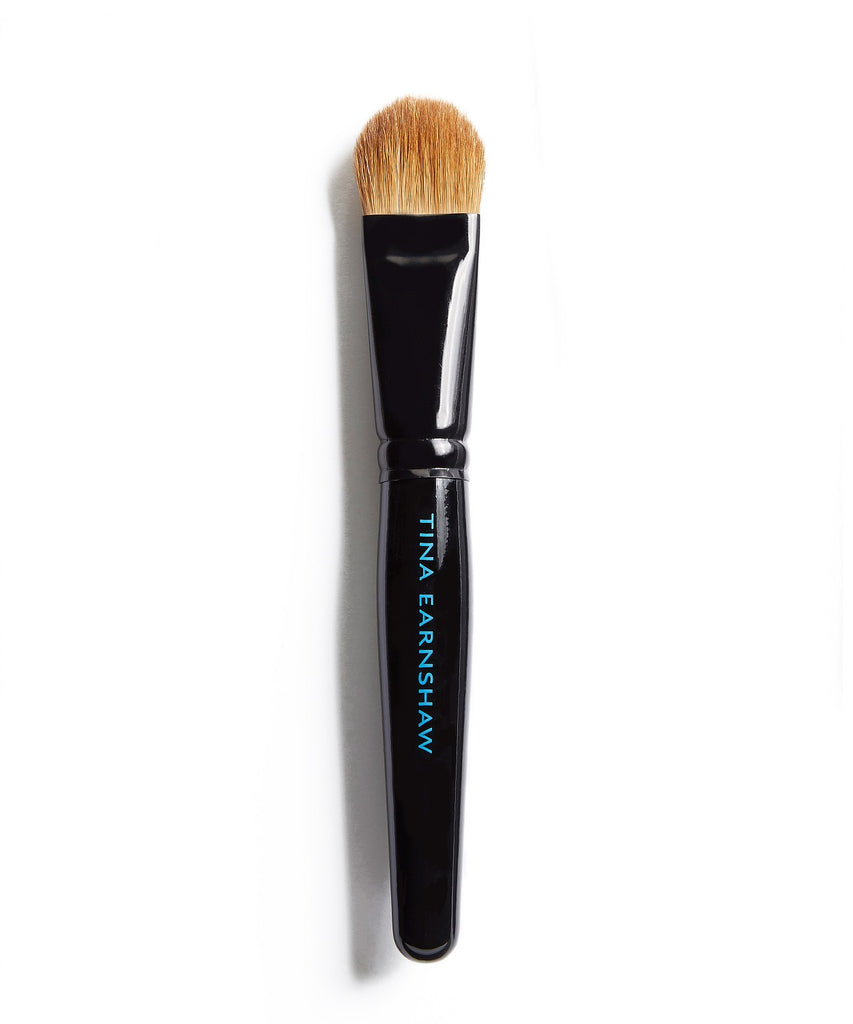 Tina Earnshaw -  Large Face Blender Brush - No19