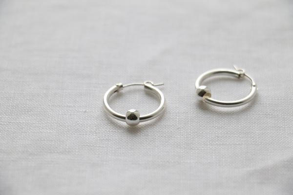 Load image into Gallery viewer, SARAH HOOP EARRINGS (GOLD & SILVER)