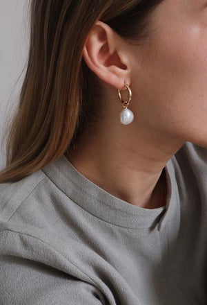 DEGAS PEARL HOOPS (GOLD & SILVER)