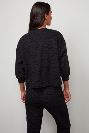 ZEBRA FLEECE L/S TOP