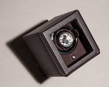 Afbeelding in Gallery-weergave laden, Wolf 1834 Cube watch winder