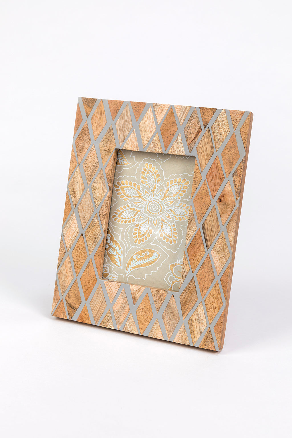 Diamond Patten Picture Frame