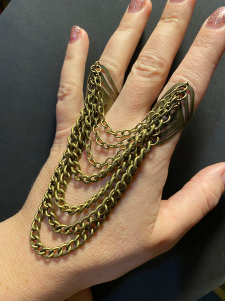 HEAVILY CHAINED DOUBLE RING