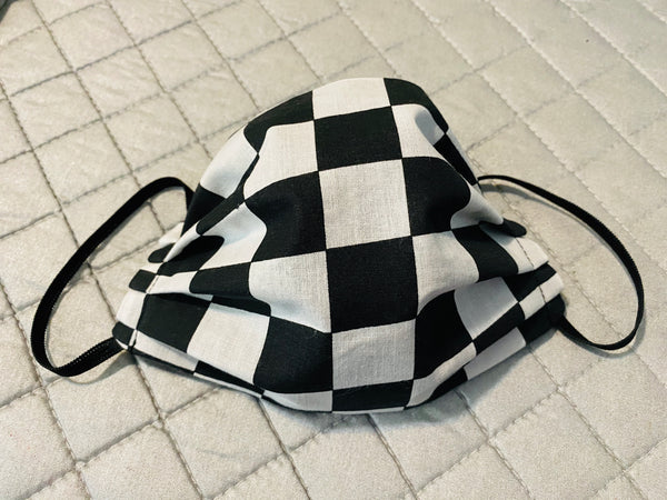 BIG CHECKERED FACE MASK WITH FILTER pocket