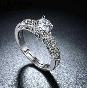 Wonderful Crystal Silver Plated Amazing Ring For Women/Girls