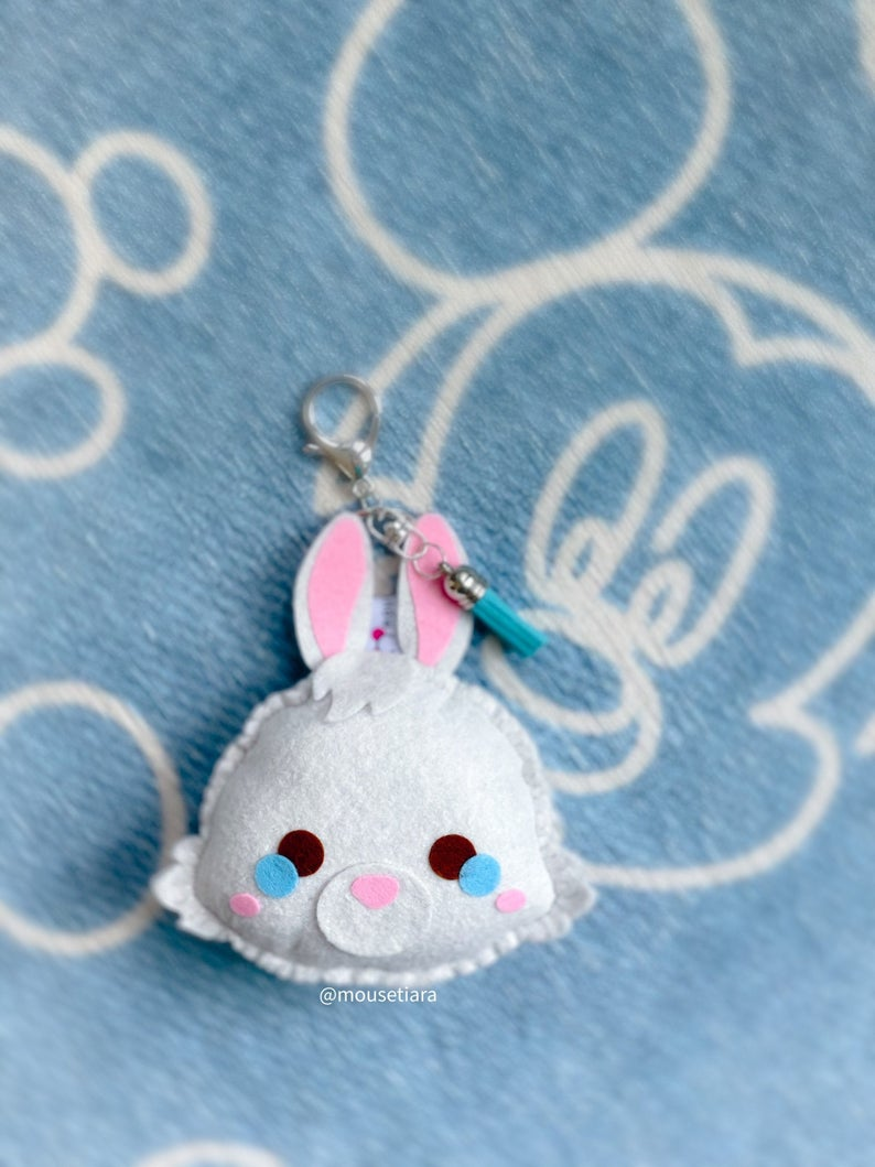 White Rabbit | Mouse Keychain