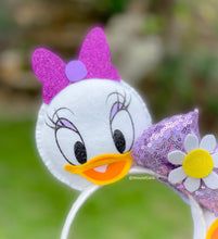 Load image into Gallery viewer, Daisy flower  | Mouse Ears