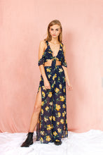 Load image into Gallery viewer, Top cropped floral navy yellow