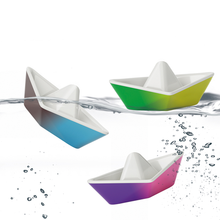 Load image into Gallery viewer, Origami Color Changing Boats