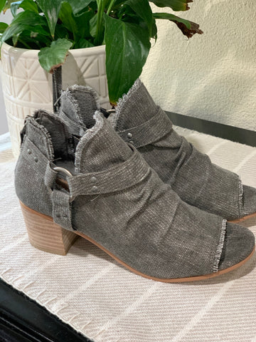 Solange Grey Canvas Heel
