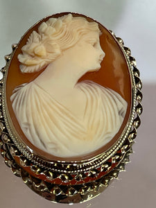 Vintage 10KT Yellow Gold Cameo Pin / Pendant / Brooch