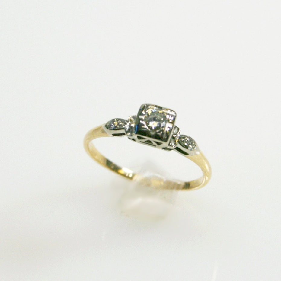 Vintage 14KT Yellow Gold Diamond Engagement Ring
