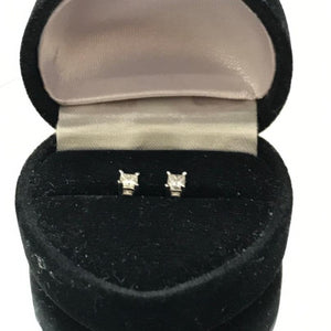14KT Solid White Gold Princess Cut Diamond Stud Earrings Gorgeous