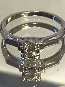 18KT White Gold Vintage Diamond Ring Classic Style Diamond Engagement Ring