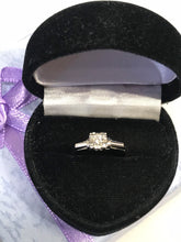 Load image into Gallery viewer, 18KT White Gold Vintage Diamond Ring Classic Style Diamond Engagement Ring