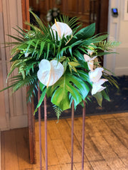 Tall tropical table centre