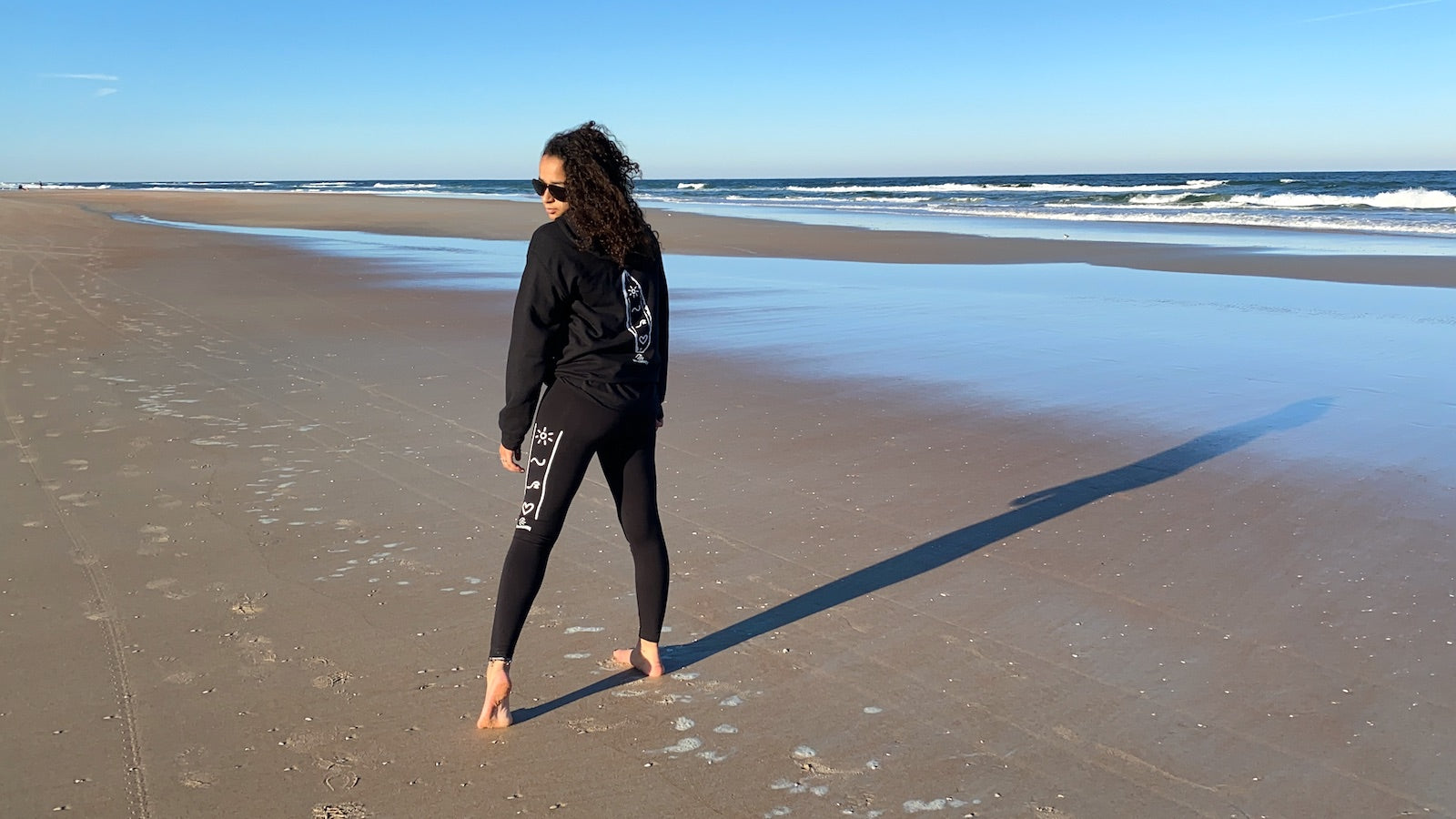 Retro Rails Leggings in Black by Girlsurfboards.com