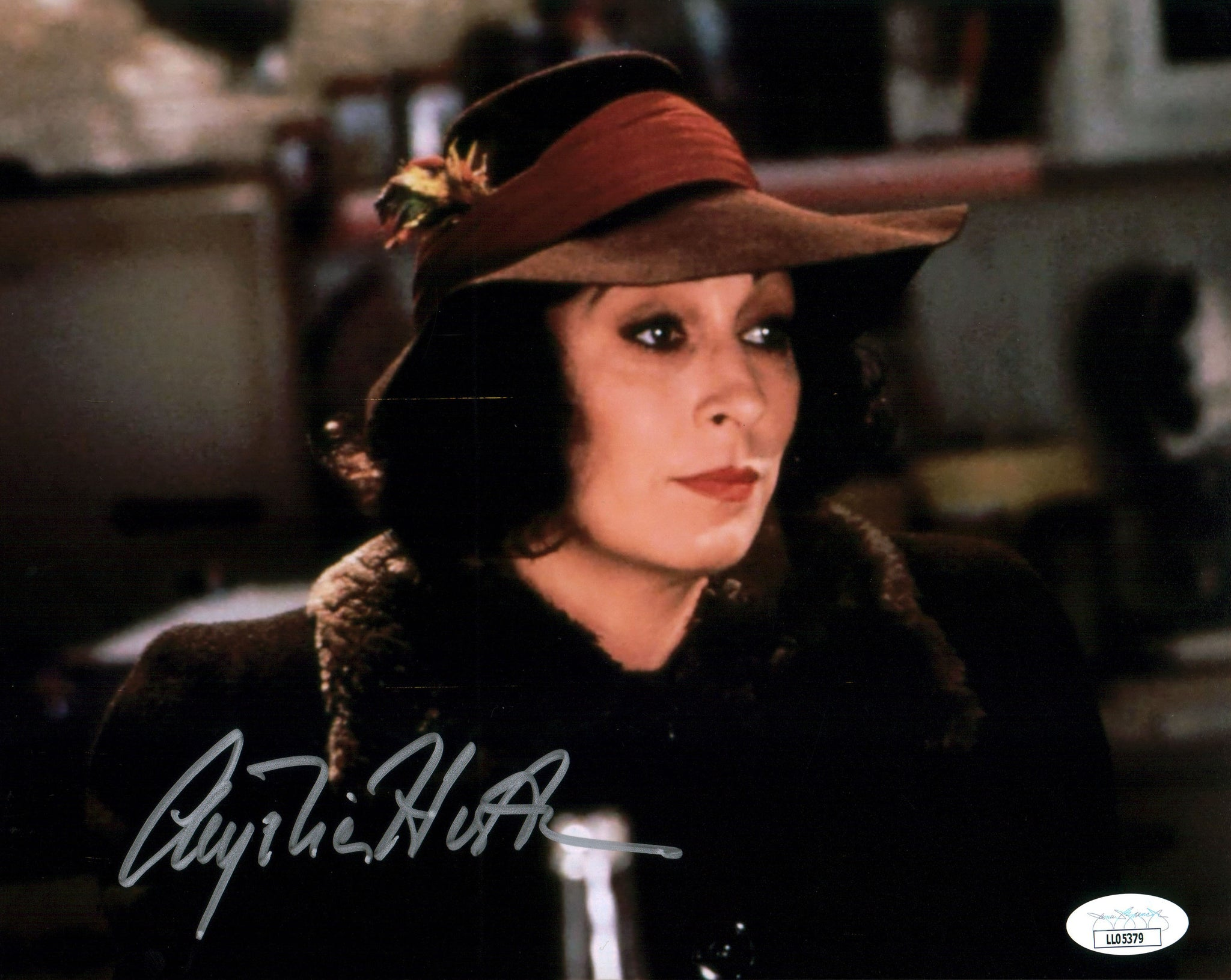 Anjelica Huston 8x10 Photo Signed Autograph JSA Certified COA Auto