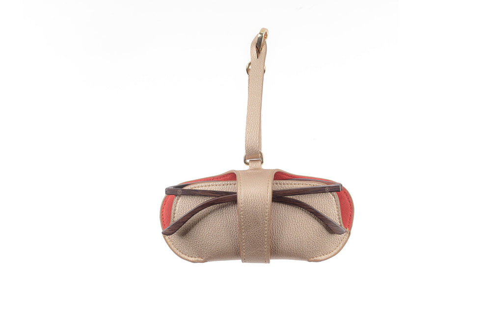 Load image into Gallery viewer, Pouch - Beige with Red Hearts - APTICA