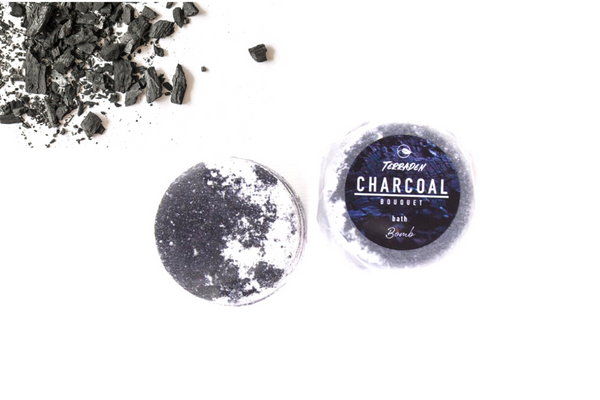 Charcoal Bouquet Bath Bomb. Handmade with premium natural ingredients, ethically sourced, such as plant based oils and butters, botanicals and blends of essential oils. vegan and cruelty free, palm oil and plastic free. Luxury, Sustainable and eco-friendly product. Cleanse your skin with the power of activated charcoal.Gender neutral, suitable for sensitive skin.