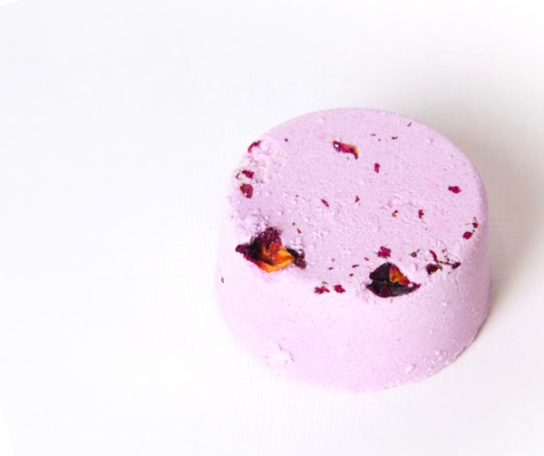 Rose Petal & Lavender Bath Bomb handmade with real premium rose petals and lavender buds. Rose Geranium and Lavender essential oils are a great combination for calm and relaxation. With deep and floral scent, this bath bomb simply fills your bathroom with a calm, romantic and chilled ambience. Vegan & cruelty free, palm oil and plastic free. Luxury, sustainable and eco-friendly product. Suitable for sensitive skin