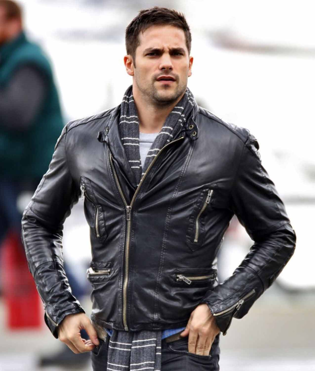 21-stylish-leather-jackets-look-of-male-celebrities-5