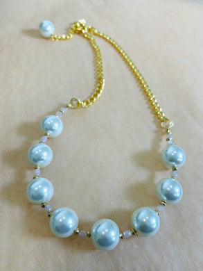 Pure Pearls Necklace