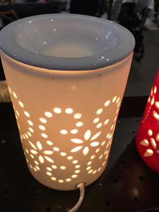 Oil burner white dots and flowers