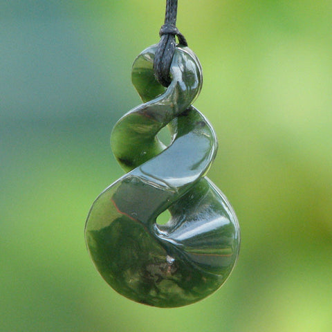 Maori Greenstone Double Twist