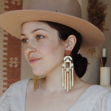 Load image into Gallery viewer, La Alma Antiqua Earrings