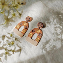 Load image into Gallery viewer, La Mexicana Painted Earrings - Arch