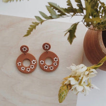Load image into Gallery viewer, La Mexicana Painted Earrings - Circle